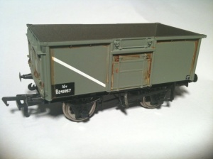 Bachmann Mineral Wagon lightly weathered with Rust effect
