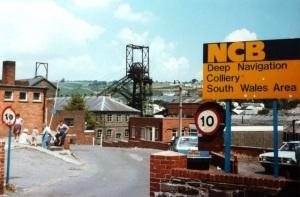 Deep Navigation Colliery by Tom Jolliffe